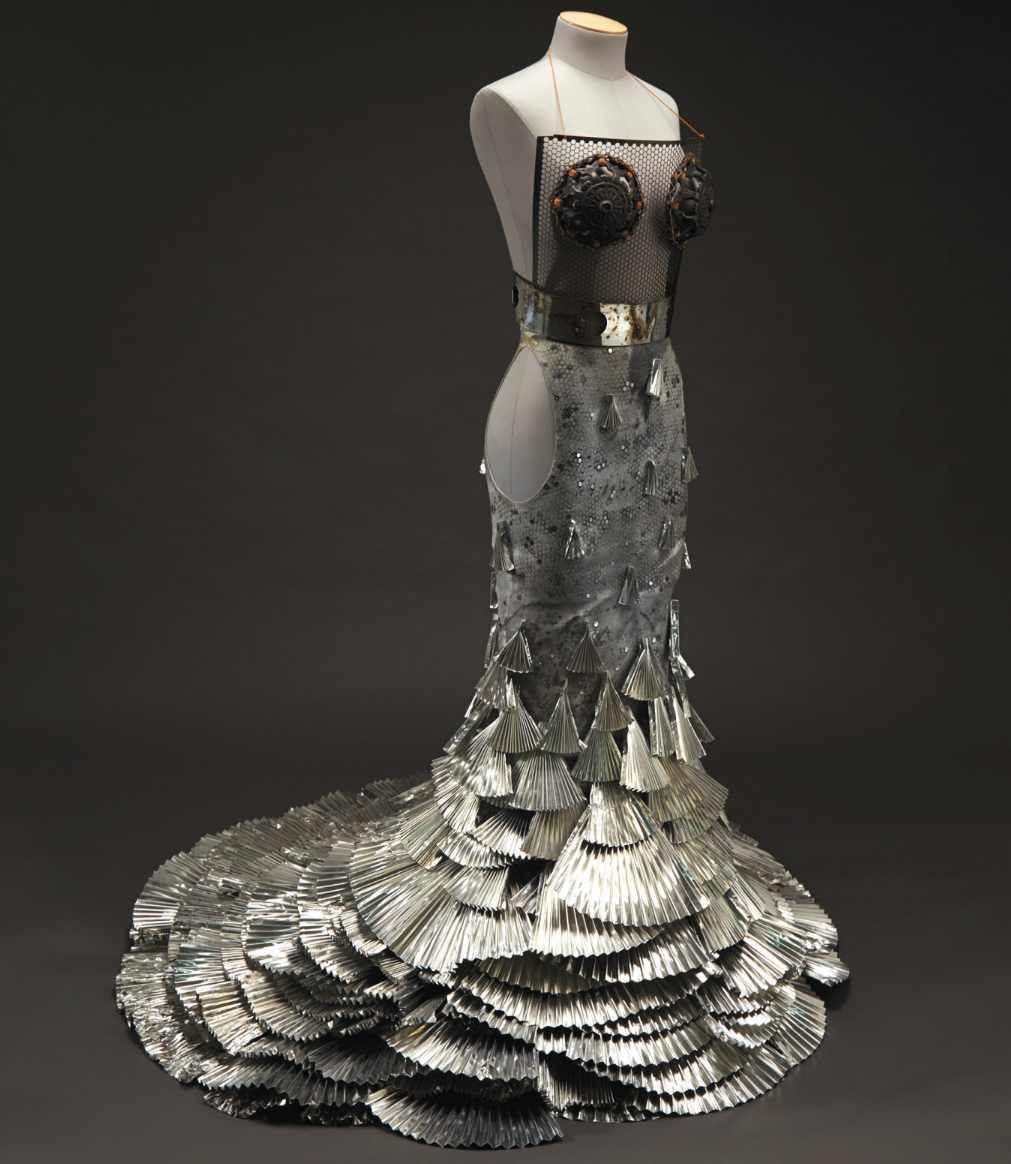 ART 2 WEAR DRESS, VERONICA TIBBITTS, 2011. NCSU ART 2 WEAR ARCHIVAL COLLECTION, COURTESY OF THE GREGG MUSEUM OF ART & DESIGN